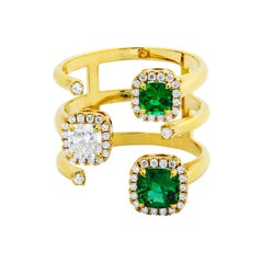 18 Karat Yellow Gold Ring with Brilliant cut White Diamonds and Emeralds