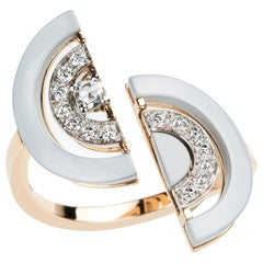 18 Karat Yellow Gold Ring with White Diamonds