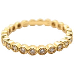 18 Karat Yellow Gold Round Brilliant 0.30 Carat Diamond Textured and Shaped Band