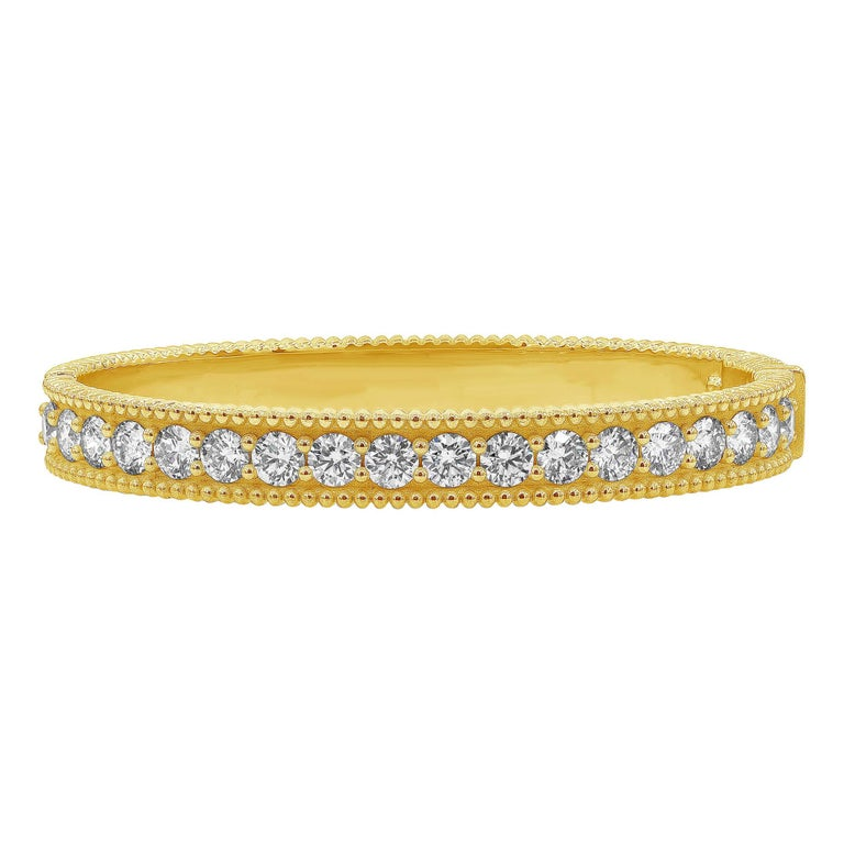 Roman Malakov 18 Karat Yellow Gold Round Diamond Bangle Bracelet For Sale