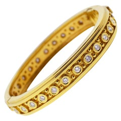 18 Karat Yellow Gold Round Diamond Bangle Ladies Bracelet