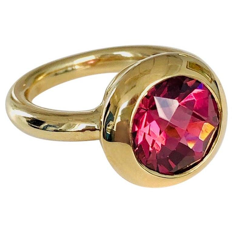 18 Karat Yellow Gold Round Pink Tourmaline Ring For Sale