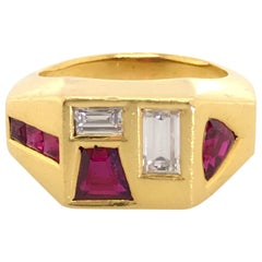 18 Karat Yellow Gold Ruby and Diamond Geometric Retro Ring