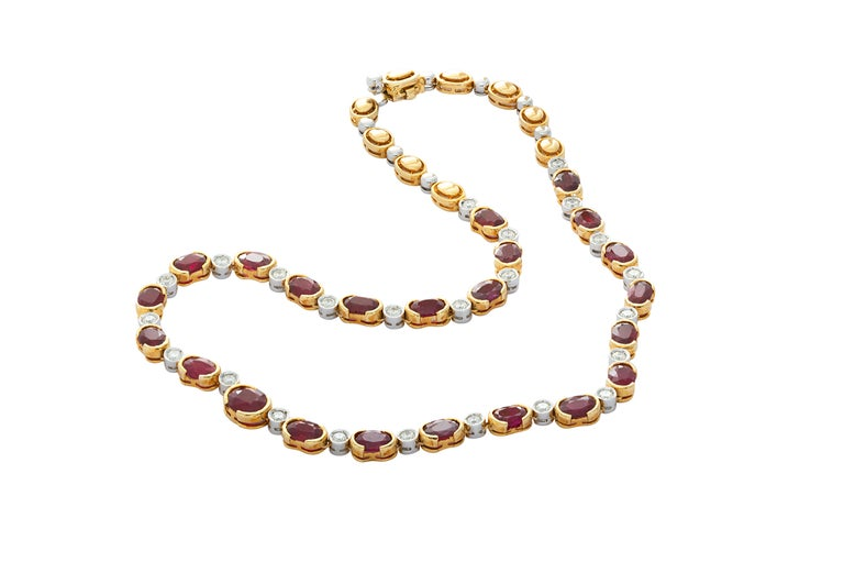 Mixed Cut 18 Karat Yellow Gold Ruby Diamond Necklace Set For Sale