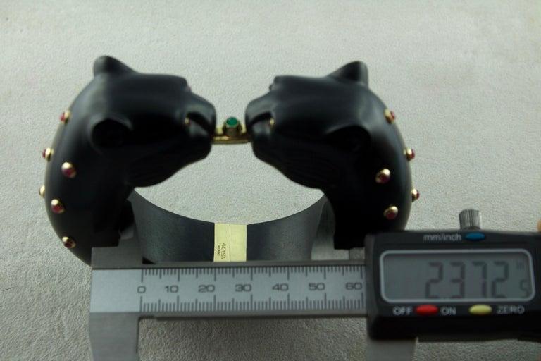 18 Karat Yellow Gold Ruby Emerald Wood Black Panthers Bangle Bracelet For Sale 1
