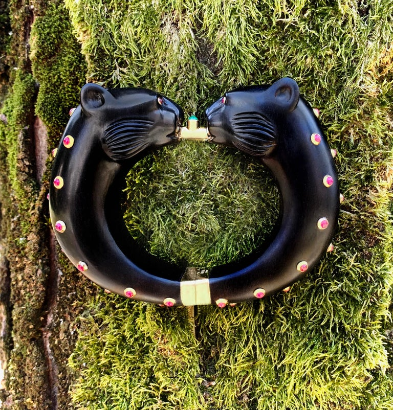 18 Karat Yellow Gold Ruby Emerald Wood Black Panthers Bangle Bracelet For Sale 5