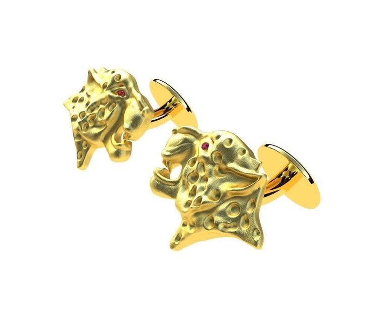 Women's or Men's 18 Karat Yellow Gold Ruby Leopard Cufflinks For Sale