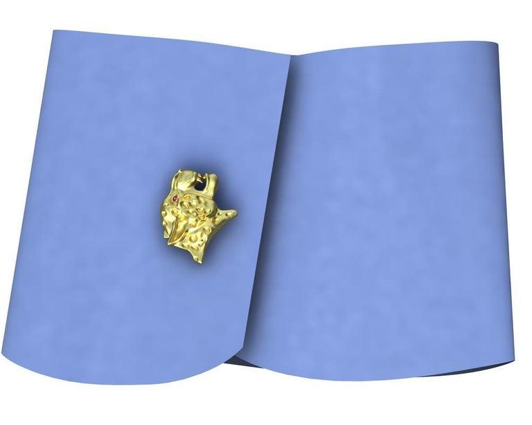 18 Karat Yellow Gold Ruby Leopard Cufflinks For Sale 2
