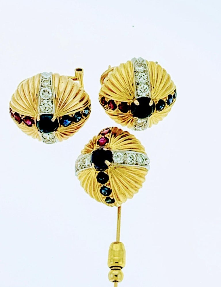 Round Cut 18 Karat Yellow Gold Ruby Sapphire and Diamond Earring and Stick Pin Set Estate For Sale