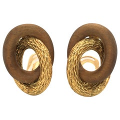 18 Karat Yellow Gold Sandalwood 1970s Ear Clips by René Boivin