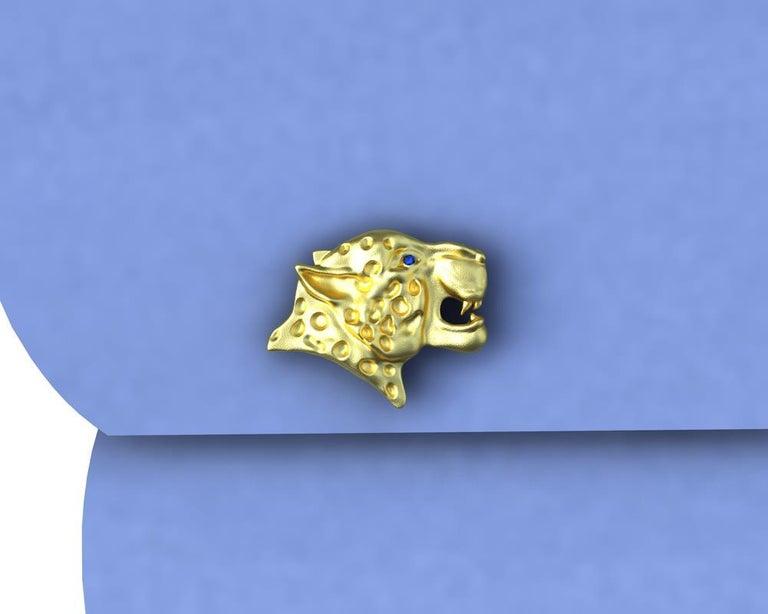 Women's or Men's 18 Karat Yellow Gold Sapphire Leopard Cufflinks For Sale