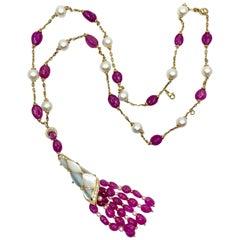 18 Karat Yellow Gold Sapphires and Diamonds Necklace