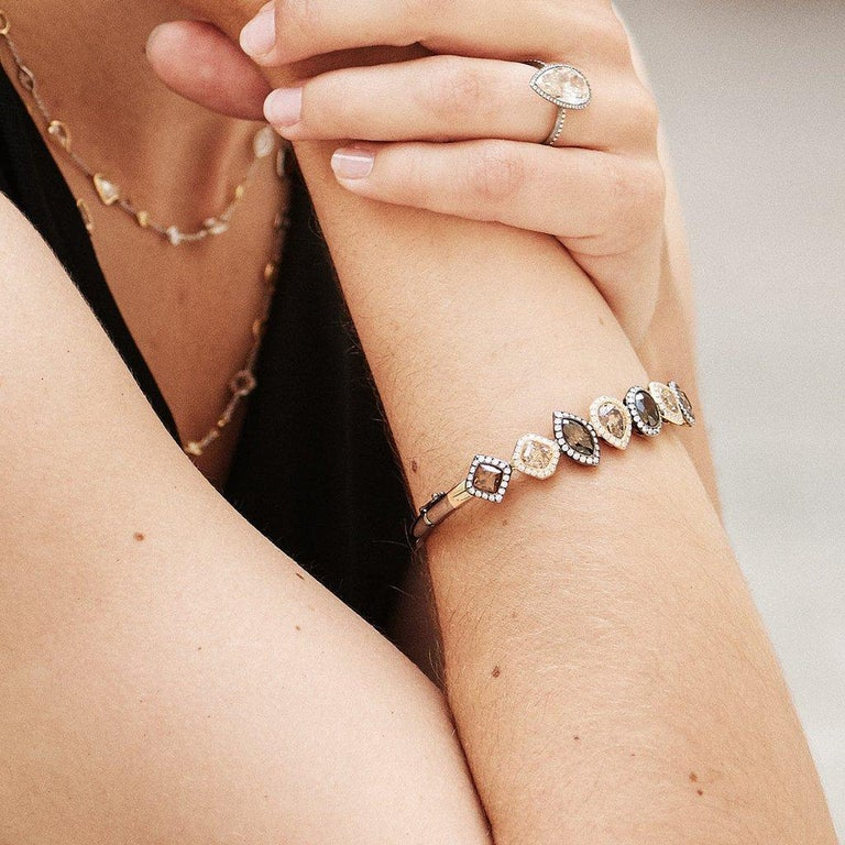 18 Karat Yellow Gold Silver Rhodium Champagne White Diamonds Earrings For Sale 1