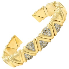 18 Karat Yellow Gold Solid Cuff Diamond Bracelet 1.00 Carat
