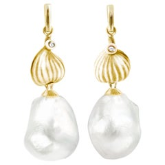 18 Karat Yellow Gold South Sea Pearls Contemporary Earrings with Diamonds