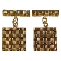 18 Karat Yellow Gold Square Panel Chain Link Cufflinks, London, 1960s