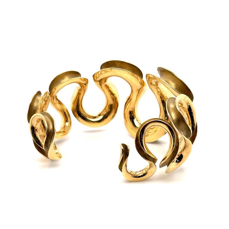 18 Karat Yellow Gold Swirl Cuff Bangle 47.6 Grams For Sale 2