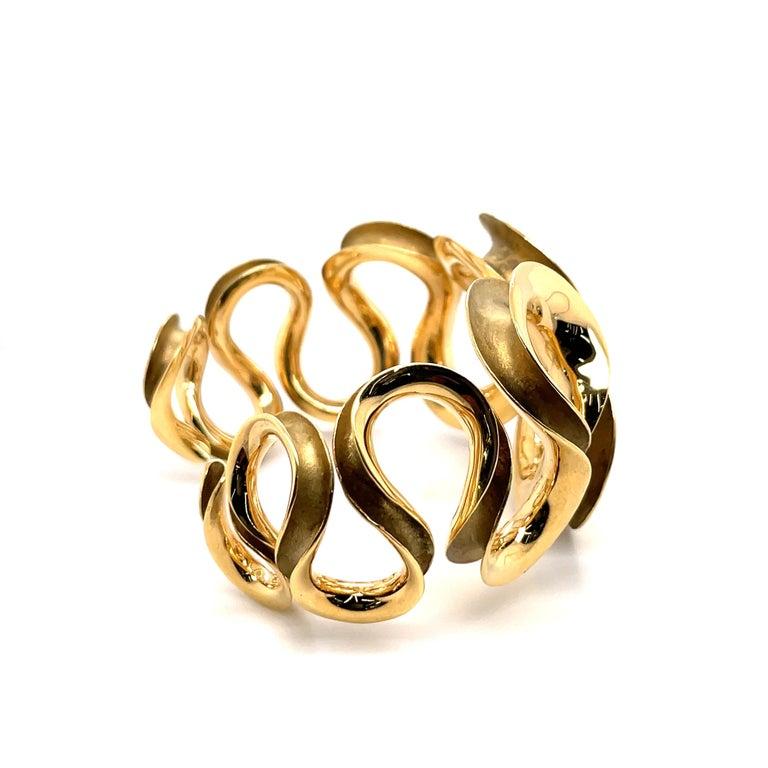 18 Karat Yellow Gold Swirl Cuff Bangle 47.6 Grams For Sale 3