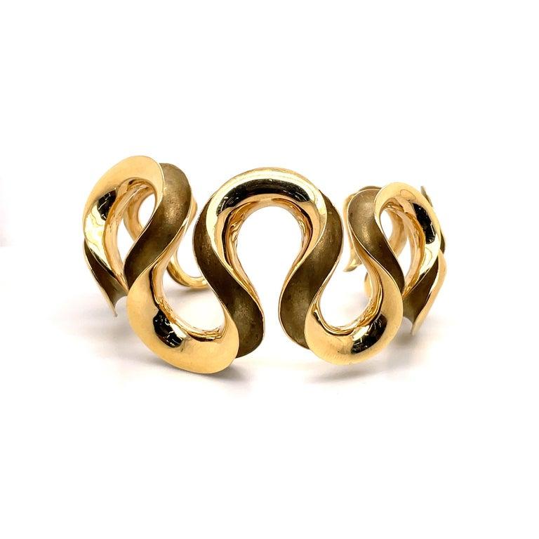 18 Karat Yellow Gold Swirl Cuff Bangle 47.6 Grams For Sale 4