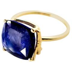 18 Karat Yellow Gold Tea Contemporary Ring with Sapphire, 8.73 Carat