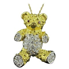18 Karat Yellow Gold Teddy Bear Necklace with Diamonds