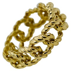 18 Karat Yellow Gold Textured Curb Link Bracelet