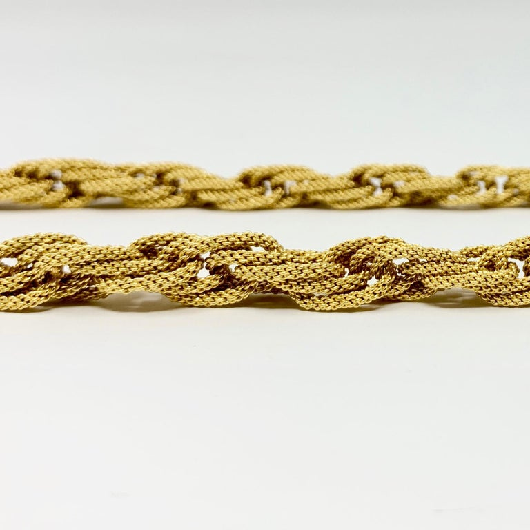 18 Karat Yellow Gold Textured Graduated Twisted Cable Damas Necklace