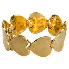 18 Karat Yellow Gold Textured Heart Bracelet