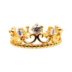 18 Karat Yellow Gold Three-Stone Crown Ring with Diamonds, Unique Design