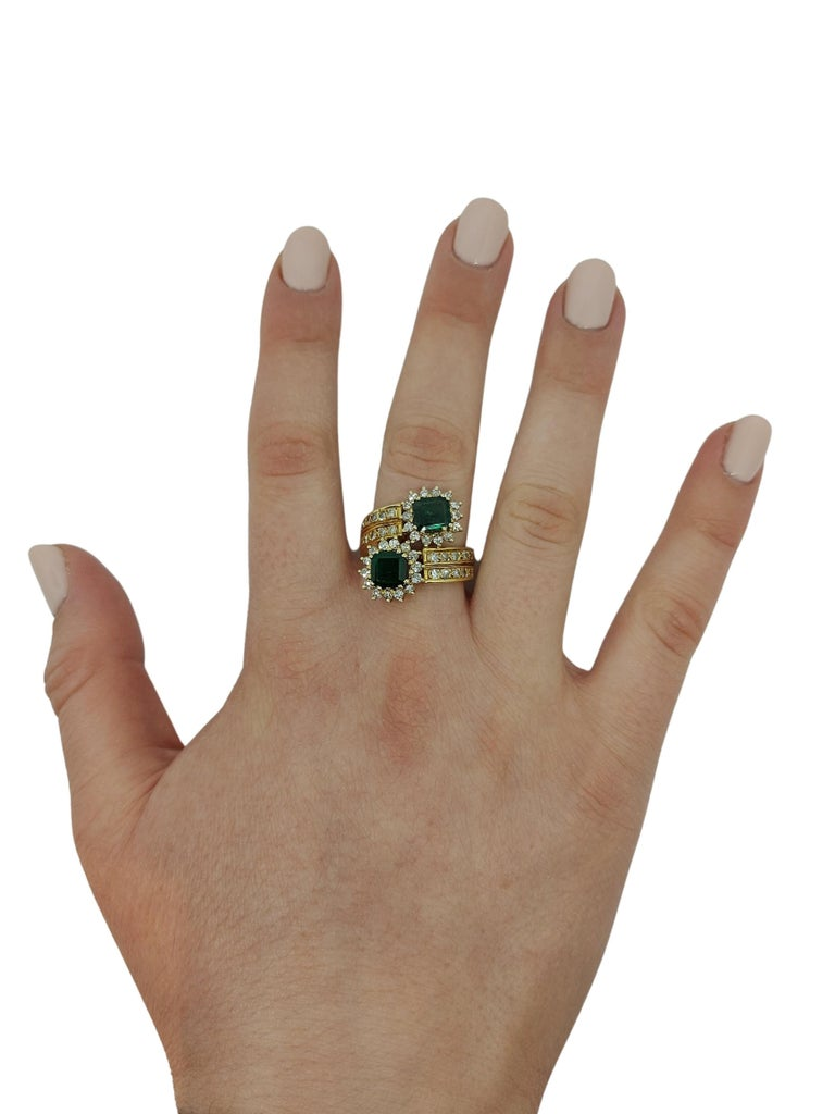 18 Karat Yellow Gold Toi et Moi Colombian Emeralds, Diamond Ring For Sale 9