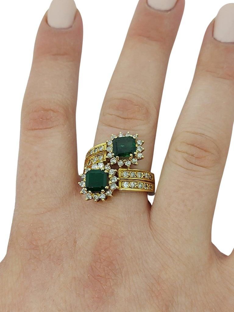 18 Karat Yellow Gold Toi et Moi Colombian Emeralds, Diamond Ring For Sale 10