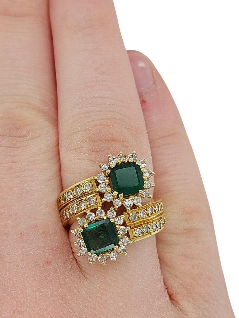 18 Karat Yellow Gold Toi et Moi Colombian Emeralds, Diamond Ring For Sale 11