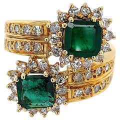 18 Karat Yellow Gold Toi et Moi Colombian Emeralds, Diamond Ring