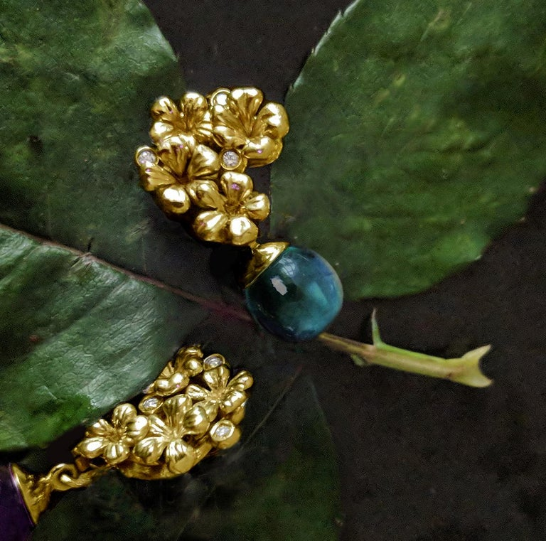 18 Karat Yellow Gold Transformer Drop Modern Brooch with Diamonds and Blue Topaz For Sale 2