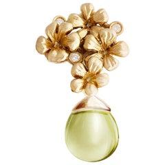 18 Karat Yellow Gold Transformer Plum Blossom Pendant Necklace with Diamonds