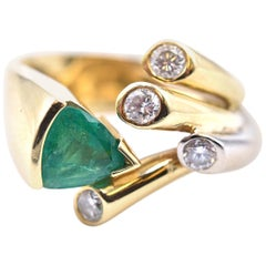 18 Karat Yellow Gold Trillion Cut Emerald and Diamond Ring
