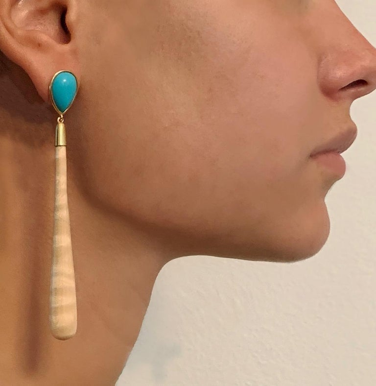 18 Karat Yellow Gold Turquoise and Wood Drop Earrings For Sale 1