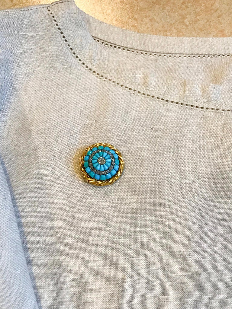 18 Karat Yellow Gold Turquoise and Diamond Set Brooch In Good Condition For Sale In QLD , AU