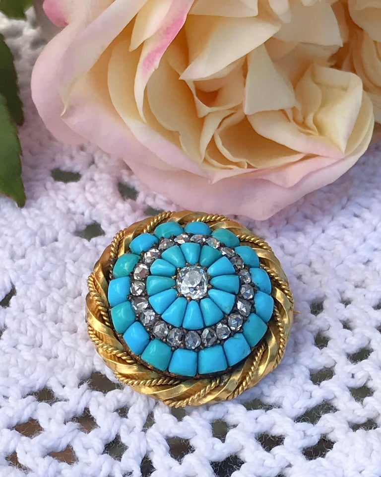 18 Karat Yellow Gold Turquoise and Diamond Set Brooch For Sale 2