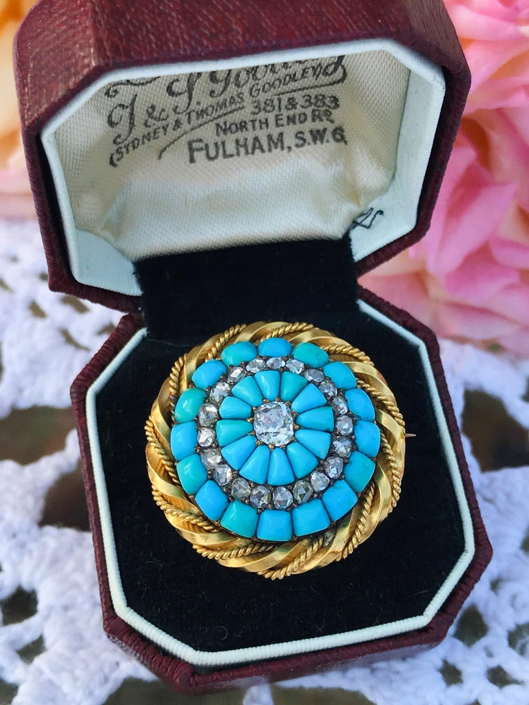 18 Karat Yellow Gold Turquoise and Diamond Set Brooch For Sale 3