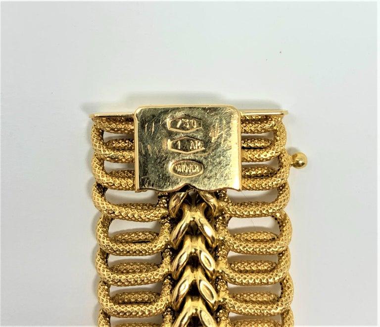 18 Karat Yellow Gold UnoAErre Wide Fancy Link Bracelet 2