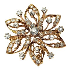 18 Karat Yellow Gold Vintage Brooch with Many Diamonds