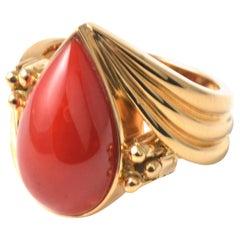 18 Karat Yellow Gold Vintage Pear Shape Oxblood Coral Ring