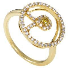 18 Karat Yellow Gold White and Yellow Diamond Ring
