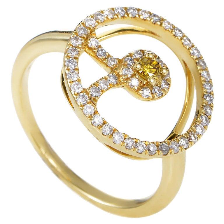 18 Karat Yellow Gold White and Yellow Diamond Ring For Sale