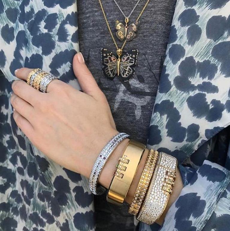 18 Karat Yellow Gold White Diamond Double Carousel Bracelet For Sale 5