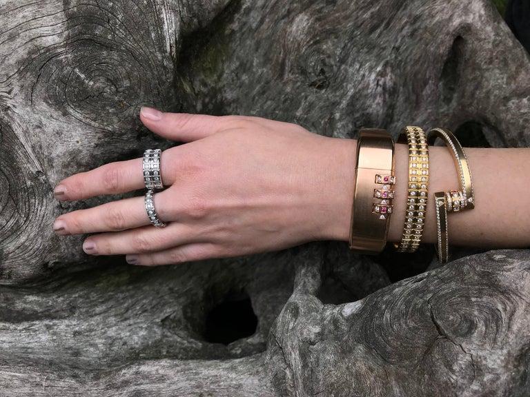 18 Karat Yellow Gold White Diamond Double Carousel Bracelet In New Condition For Sale In Novato, CA
