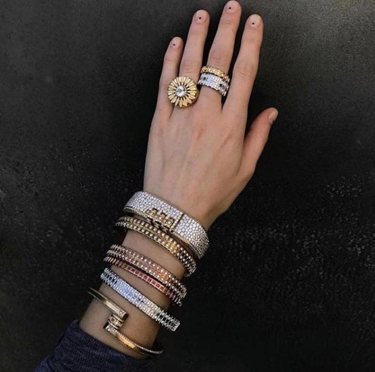 18 Karat Yellow Gold White Diamond Double Carousel Bracelet For Sale 3