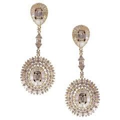 18 Karat Yellow Gold White Diamond Oval Baguette Dangling Earring