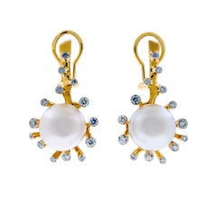 18 Karat Yellow Gold White South Sea Pearls and 0.8 Carat Diamonds Earrings